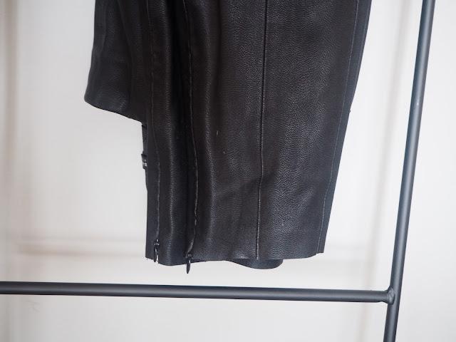 photo-maituins-3-look-chaqueta-mora-renatta-pantalon-cuero-zara-camiseta-navy-rimark 01