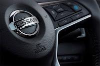 Nissan Qashqai Pilot One Edition (2018) Steering Wheel Detail