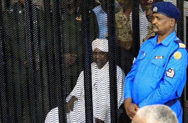 Mantan Presiden Sudan Omar al-Bashir Divonis 2 Tahun Karena Korupsi