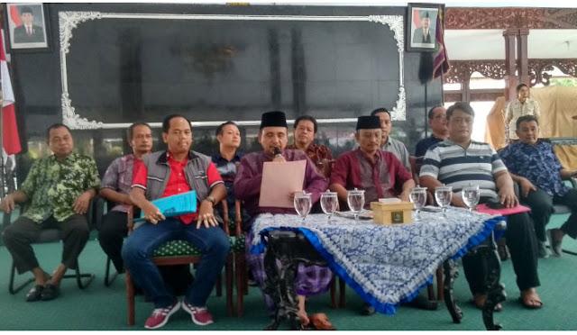 Bupati As'at saat jumpa pers di Pendopo Kabupaten
