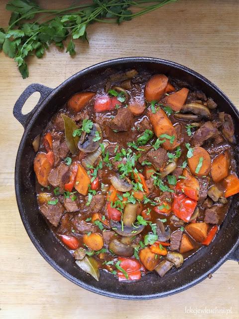 Gulasz węgierski z pieczarkami / Hungarian Stew with Mushrooms