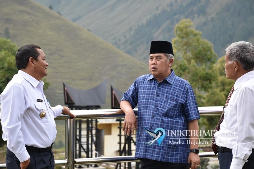 Didampingi Bupati Samosir, Gus Yazid Kunjungi Pusat Informasi Geopark Kaldera Toba