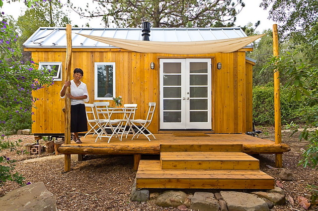 Vinas Tiny House a 140 Sq Ft Home in California TINY HOUSE TOWN