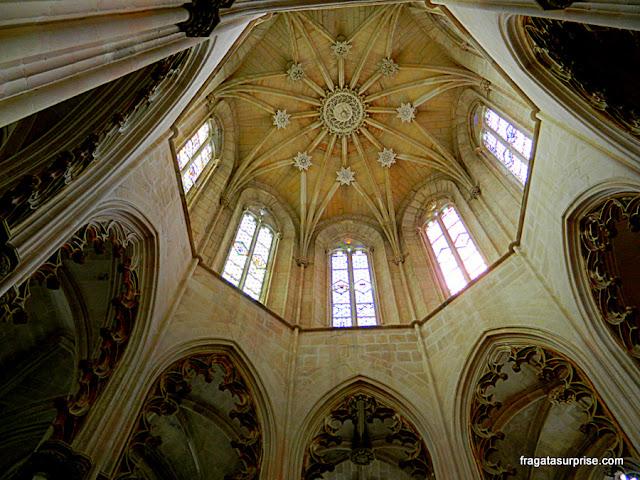 Decoração do teto da Capela do Fundador no Mosteiro da Batalha, Portugal
