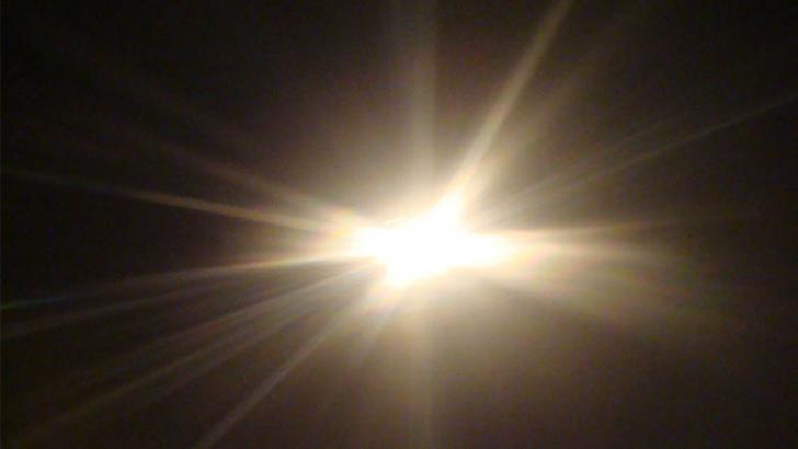 glare on light