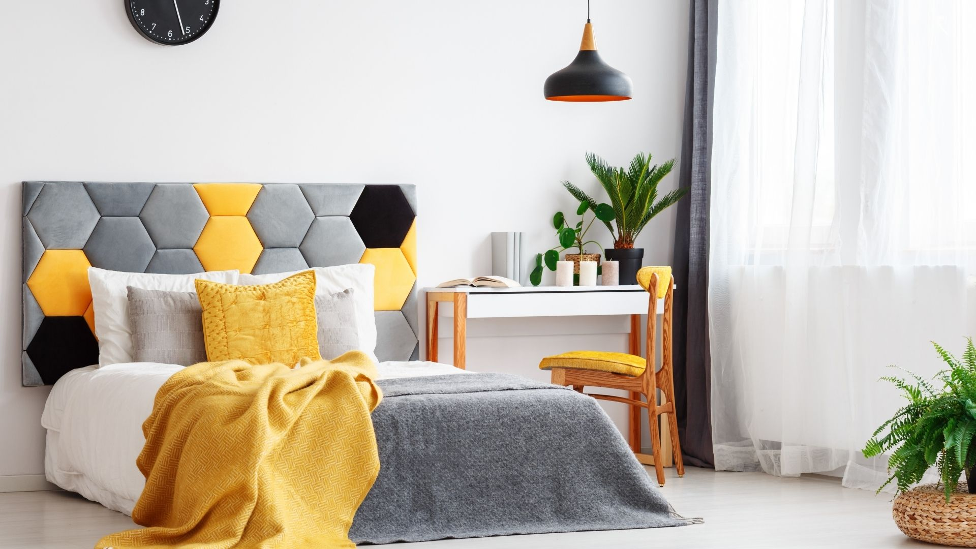 kolor żółty w sypialni