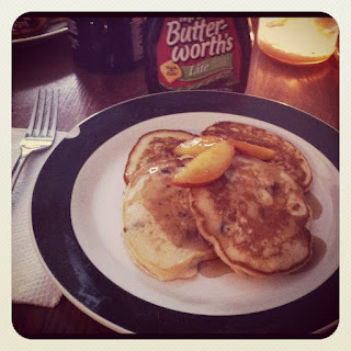 Na vigating a cl uttered k itchen peach pancakes - Better homes and gardens pancake recipe ...