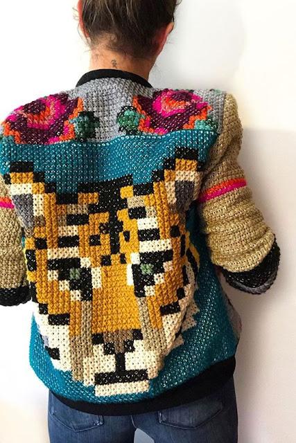 kurtka haftowana krzyżykami