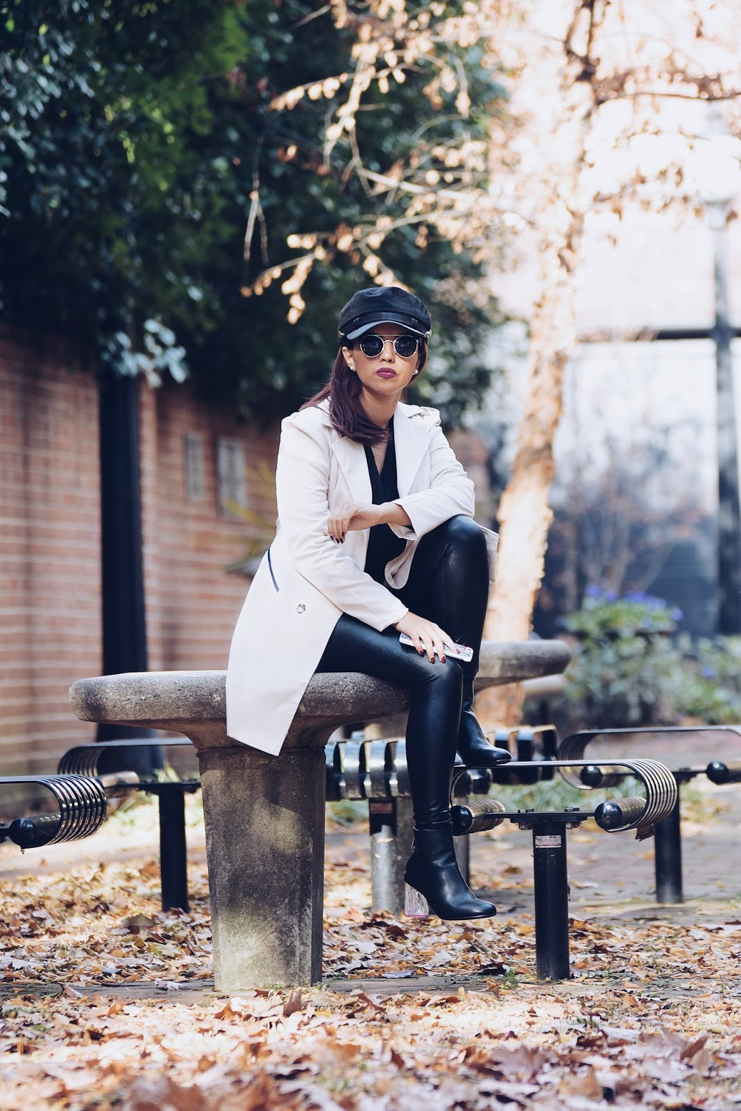 Monocromáticos Con Estilo by Mari Estilo. Wearing:  Marisol Trench: Gamiss Boots: Twinkledeals Cap: LightInTheBox Pants: SheIn Sweater: Choies  Mau Coat: Gamiss Pants: Calvin Klein Shoes: Calvin Klein Sweater: LightInTheBox