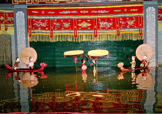 Thang Long Water Puppet Theatre debuts in Poland 1
