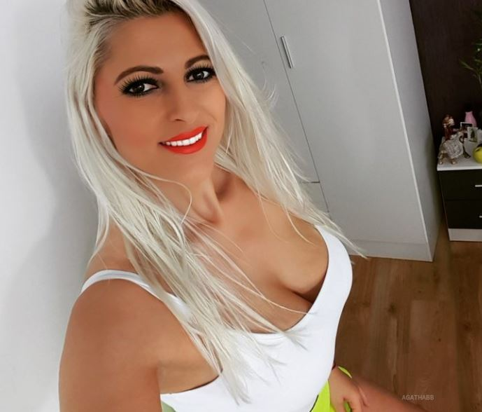https://www.glamourcams.live/chat/AgathaBB