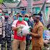 Ketua DPRD dan Bupati Turun Langsung Serahkan Bantuan Sosial Perduli Covid 19