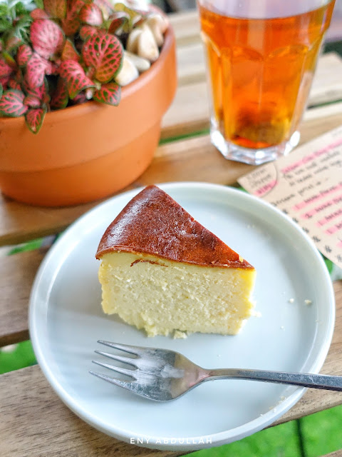 tips burnt cheesecake, basque burn cheesecake, resepi kek cheese mudah,