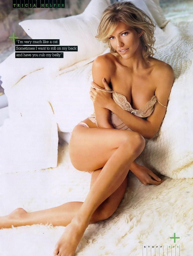 Skinny VS Curvy: Tricia Helfer hot fotos