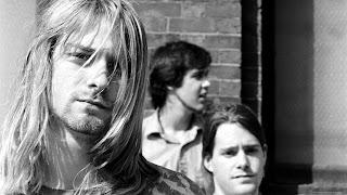 """Biografi     Nirvana secara luas dikreditkan dengan membawa suara dan semangat 70-an akhir-punk rock kepada khalayak pop mainstream. In 1991 the Seattle-based trio took the angry, nihilistic message of the Sex Pistols' landmark 1977 single """"Anarchy in the UK"""" to #6 (#1 Modern Rock) with its own sarcastic blueprint for frustration, """"Smells Like Teen Spirit."""" Pada tahun 1991 trio Seattle berbasis mengambil pesan, marah nihilistik dari tengara Sex Pistols '1977 single """"Anarchy di Inggris"""" untuk # 6 (# 1 Modern Rock) dengan cetak biru sarkastis sendiri untuk frustrasi, """"Baunya Seperti Teen Spirit. """" Nirvana's reign was tragically cut short slightly more"""