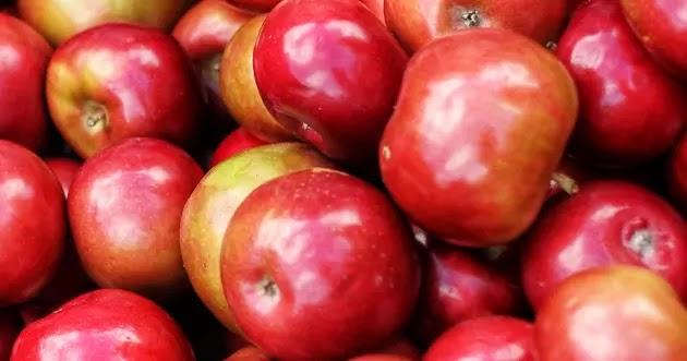 تفاح أحمر