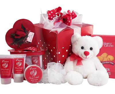 Hasil gambar untuk tips memilih kado valentine
