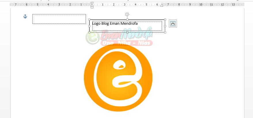Ketik tulisan atau teks sebagai keterangan gambar di text box