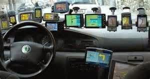 Kalau dulu kita hanya bisa melihat sistem GPS mobil saat pada film-film Barat. Namun sistem teknologi ini sudah banyak beredar untuk digunakan oleh siapa saja. Jika Anda tertarik membeli sistem GPS untuk mobil, maka Anda harus mengetahui mana yang terbaik dari banyaknya pilihan yang ada. Mari kita bahas, bagaimana cara beli GPS mobil yang bagus.