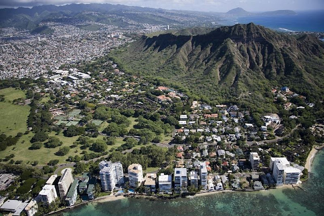 A landscape of town, mountain and beach at Hawaii Beach