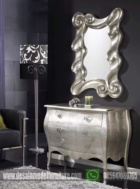 Meja rias cermin klasik mewah
