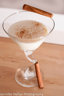 eggnog martini, eggnog, vanilla vodka, amaretto, christmas cocktail, winter cocktail