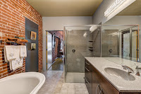 1015 Washington Ave. #305 master bath