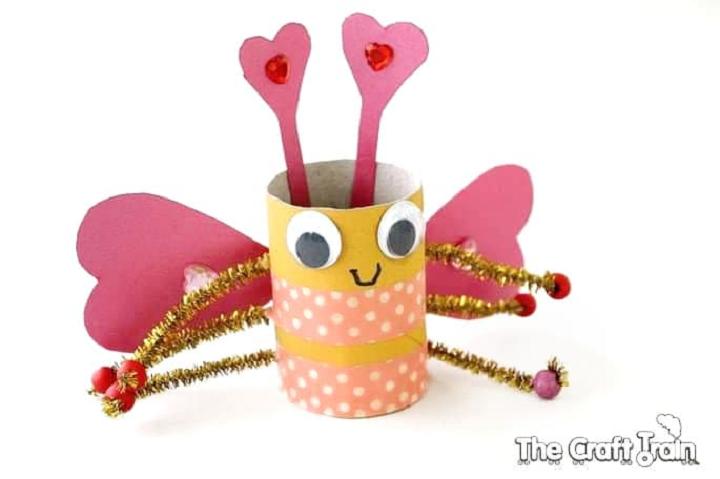 Toilet paper love bug craft for preschoolers