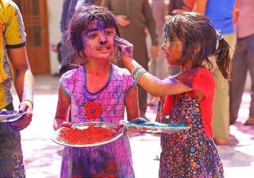 आप सभी को होली की हार्दिक शुभकामनाएँ 2018 – Holi Shubhkamnaye In Hindi