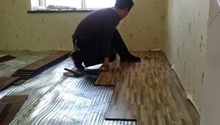 cara pasang lantai kayu solid