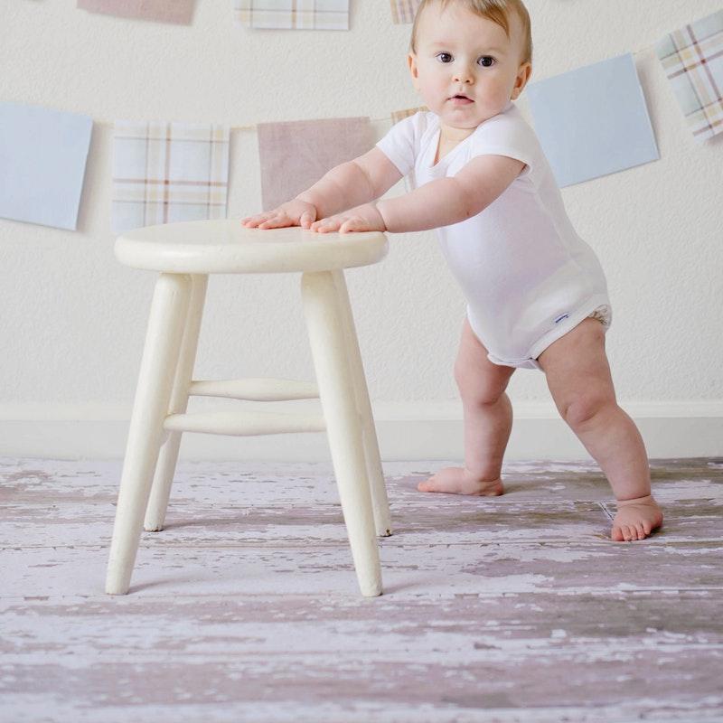 Cara melatih bayi berjalan