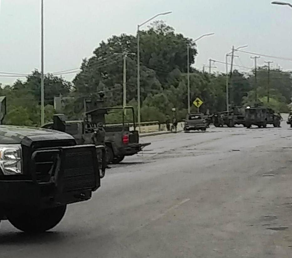 Fuerte enfrentamiento entre elementos de la SEDENA y sicarios del CDN dejan 5 abatidos en Tamaulipas.