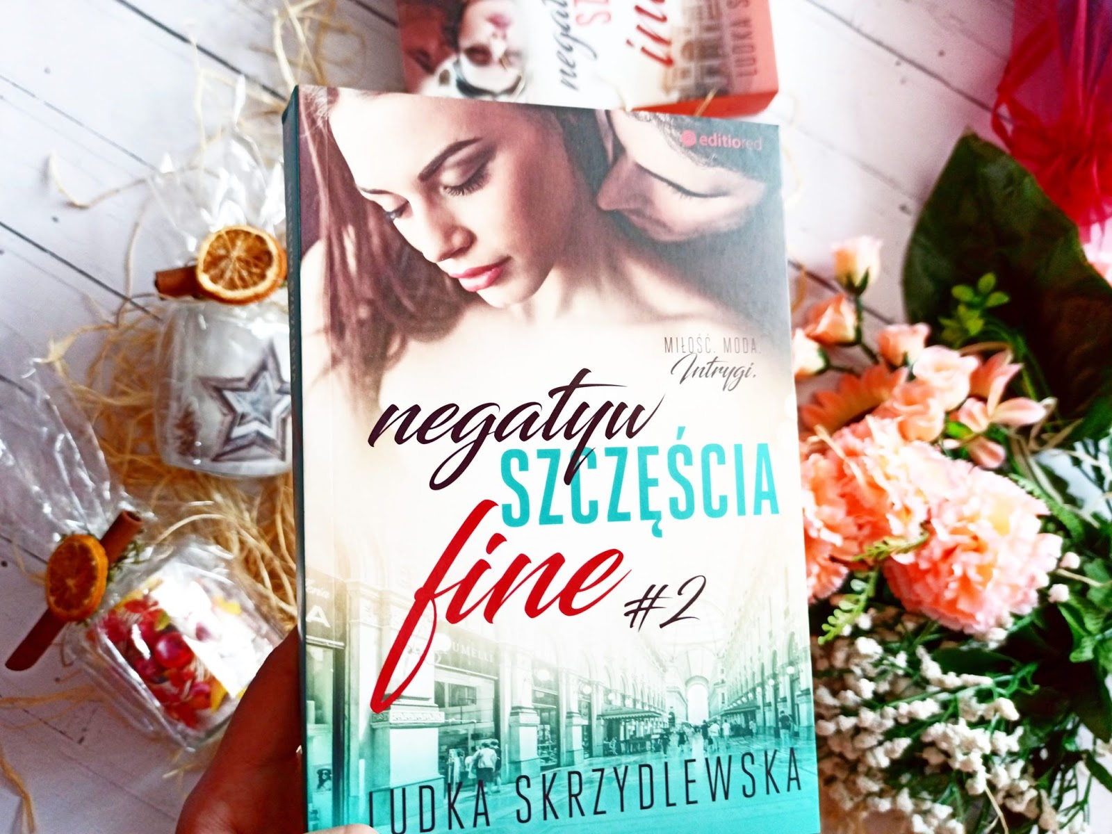 """""""Negatyw szczęścia. Fine"""" - Ludka Skrzydlewska"""