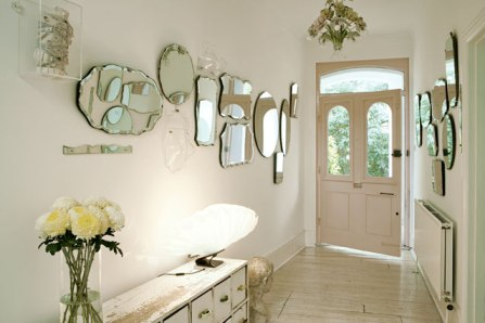 Lovely Hall Of Mirrors I Love This Look An Entry Way Is The Perfect Place For A Mirror