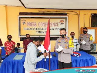 Naok Orarei Tokoh KKB wilayah Yapen Memyerahkan diri kembali ke NKRI