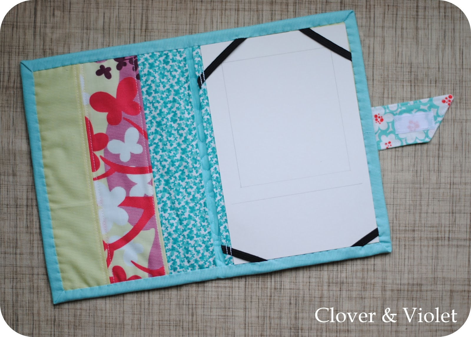 Kindle Keyborad Book-Style Cover — Clover & Violet