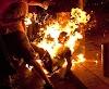 इजहारे इश्क़ : सिरफिरे आशिक ने छिड़क लिया पेट्रोल और लगा ली आग,दौड़ता हुआ घुस गया वहां जहां उसकी प्रेमिका......फिर हुआ ये.....?