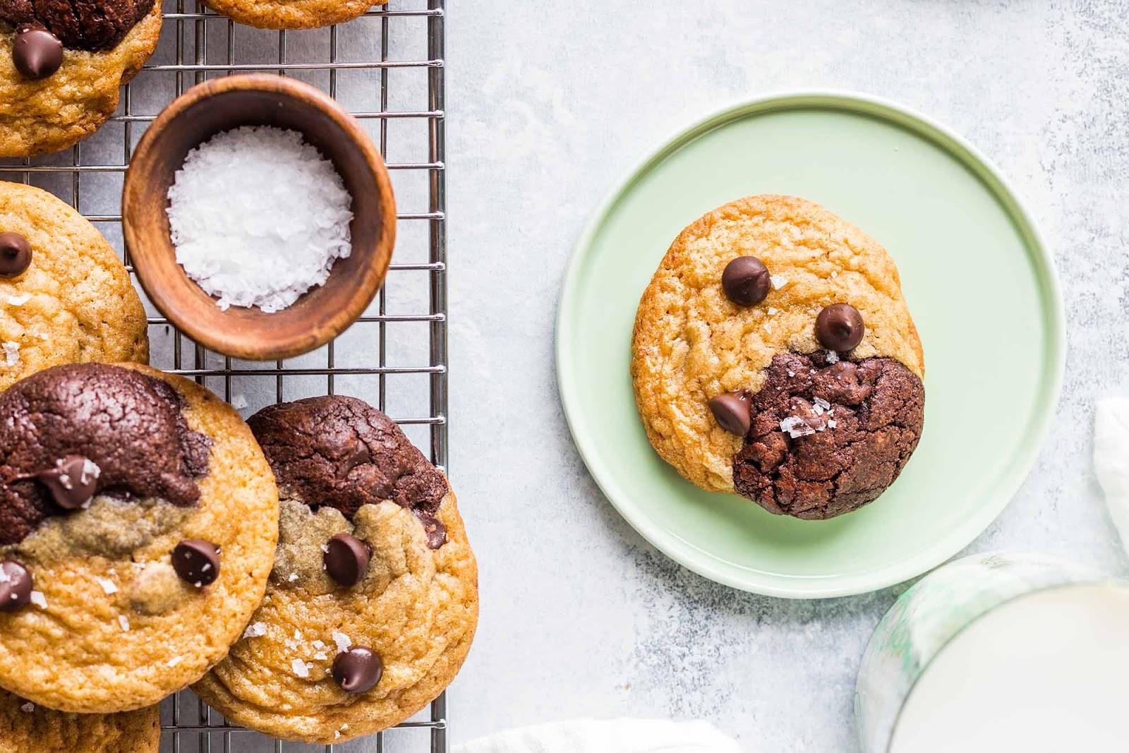 Brookies (Chocolate Chip Brownie Cookies)