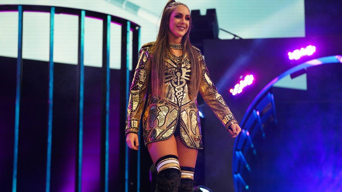 Britt Baker conquista o AEW Women's World Championship