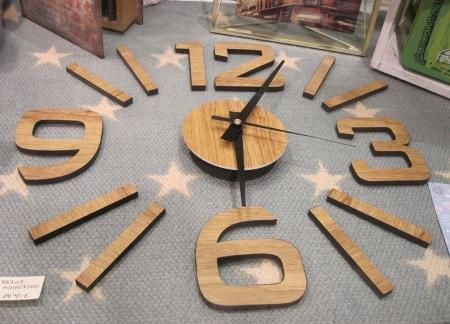 Reloj adhesivo madera, del diámetro que se quiera