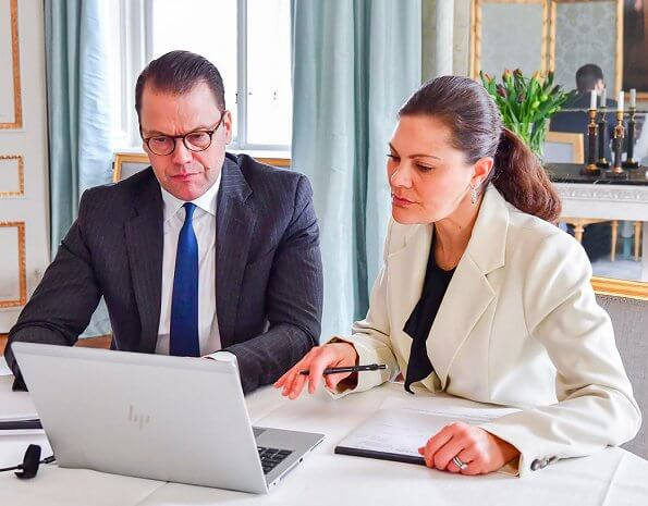 Crown Princess Victoria wore a long blazer by Baum und Pferdgarten. Baum und Pferdgarten Beyonce blazer. gold diamond earrings