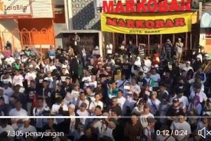 Ruaaaar Biasaaa.. Di Depan MARKOBAR Milik Anak Jokowi, Warga Solo Deklarasi #2019GantiPresiden