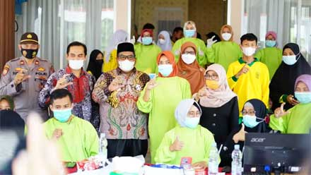 Gebyar Vaksinasi Massal bagi Pelajar di SMK N 1 Sintuak Toboh Gadang.