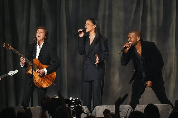 2015 Rihanna si Kanye West Paul McCartney Four Five Seconds ultima piesa melodii noi videoclipuri alb-negru 57th GRAMMYs featuring cea mai noua melodie a Rihannei FourFiveSeconds noul single videoclip YOUTUBE official video originale HIT 2015 Rihanna feat Kanye West and Paul McCartneyfebruarie 2015 premiile grammy live video Rihanna si Kanye West cantece cel mai recent clip muzica noua noutati muzicale hituri noi