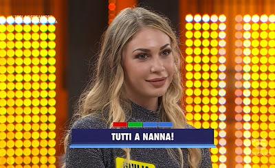 concorrente Giulia bionda Avanti Un Altro 26 aprile