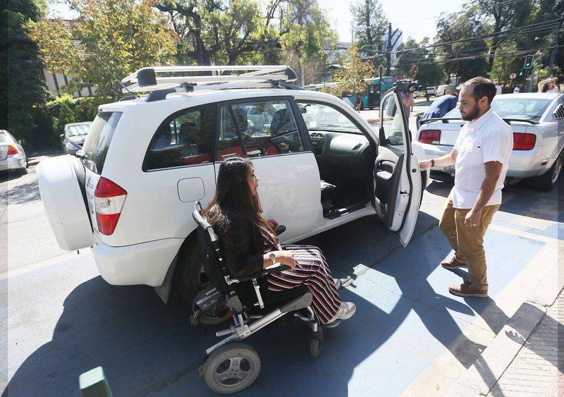 Puedo usar un estacionamiento para discapacitados si tengo el pie enyesado