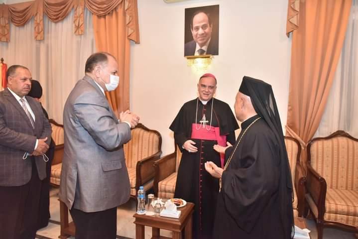 بالصور...حافظ أسيوط يشارك في حفل استقبال سفير الفاتيكان بمطرانية الأقباط الكاثوليك