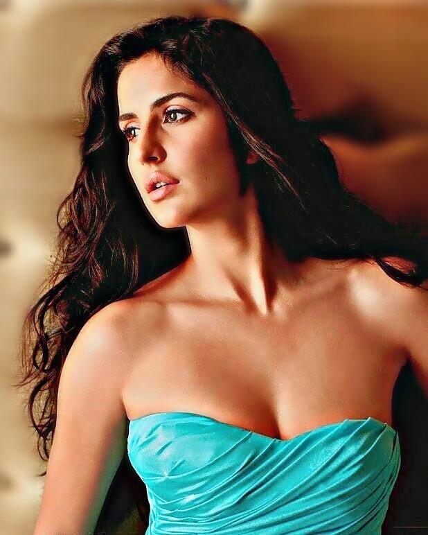 Katrina kaif hot sexy boobs and navel
