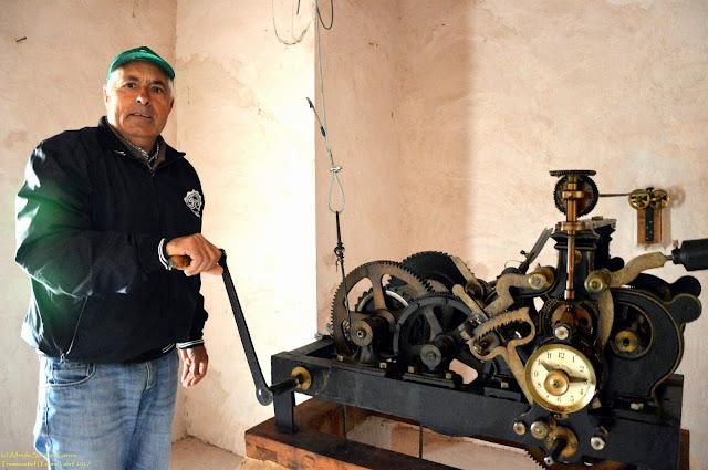tramacastiel-teruel-campanario-reloj