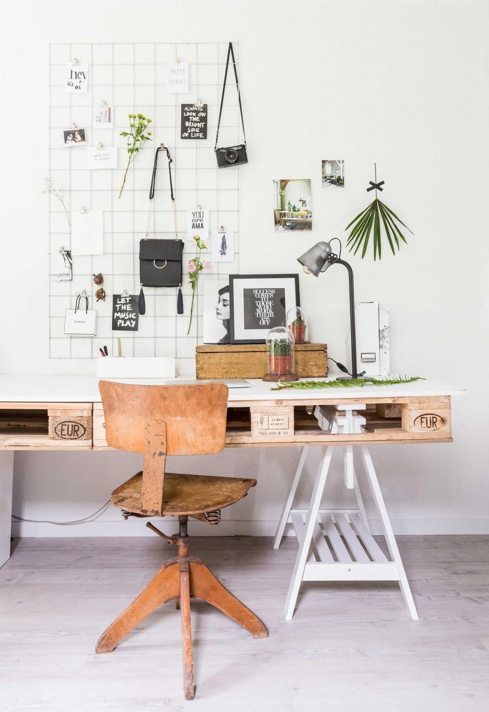 zona de trabajo, workspace, modboard, vintage, madera de palet, muebles de palet, vitrina, rejilla pared, organizador pared